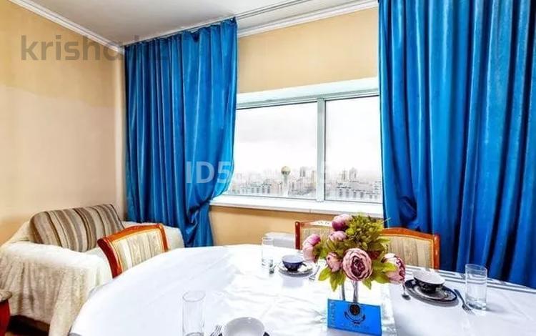 3-комнатная квартира, 110 м², 30 этаж посуточно, Достык 5 за 15 000 〒 в Нур-Султане (Астана), Есиль р-н