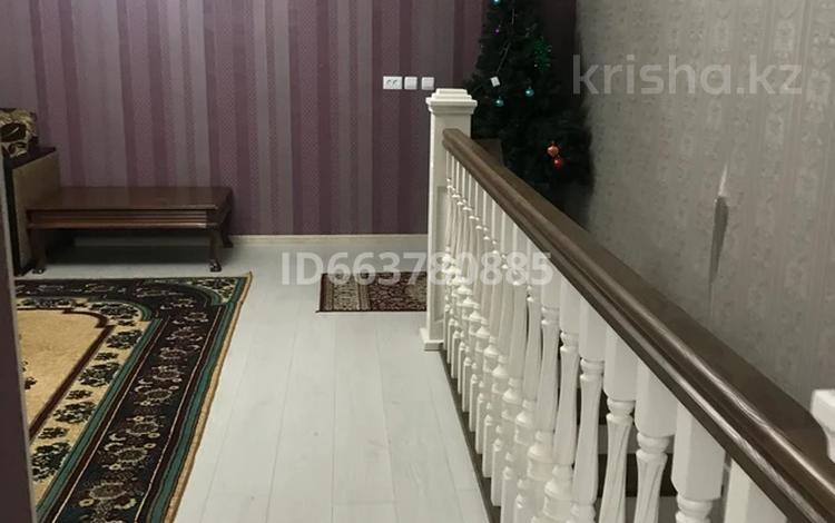 7-комнатный дом, 250 м², 8 сот., мкр Самал-1 705 — Отарбаев за 100 млн 〒 в Шымкенте, Абайский р-н