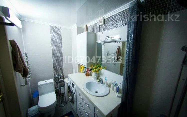 3-комнатная квартира, 98 м², 1/5 этаж, Бегим ана 17 за 20 млн 〒 в