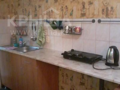 2-комнатная квартира, 55 м², 2/5 этаж посуточно, Казахстан 104 — Кабанбай батыра за 5 000 〒 в Усть-Каменогорске — фото 2