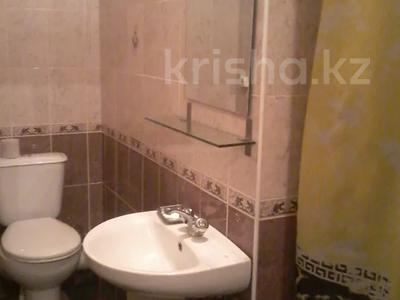 2-комнатная квартира, 55 м², 2/5 этаж посуточно, Казахстан 104 — Кабанбай батыра за 5 000 〒 в Усть-Каменогорске — фото 3