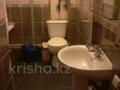2-комнатная квартира, 55 м², 2/5 этаж посуточно, Казахстан 104 — Кабанбай батыра за 5 000 〒 в Усть-Каменогорске — фото 4