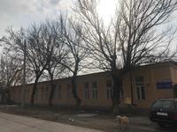Здание, площадью 390.9 м²