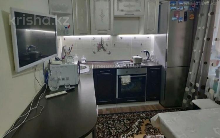 3-комнатная квартира, 67 м², 4/9 этаж, мкр Юго-Восток, Карбышева 14 за 16.3 млн 〒 в Караганде, Казыбек би р-н