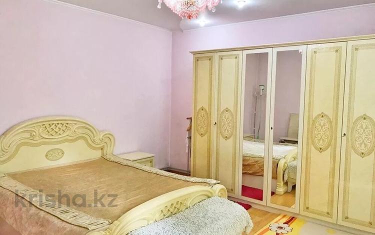 6-комнатная квартира, 110 м², 4/5 этаж, Туркестанская 11 — Кунаева за ~ 41 млн 〒 в Шымкенте, Аль-Фарабийский р-н