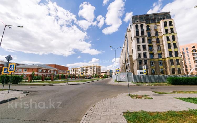 5-комнатная квартира, 225.1 м², 5/8 этаж, Умай Ана 15 за ~ 101.3 млн 〒 в Нур-Султане (Астана), Есиль р-н