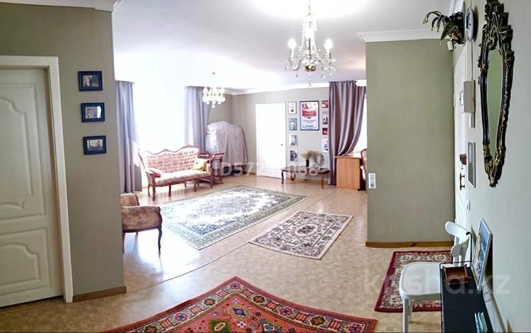 4-комнатная квартира, 91 м², 5/9 этаж, 1 мая 26 — Каирбаева за 23 млн 〒 в Павлодаре