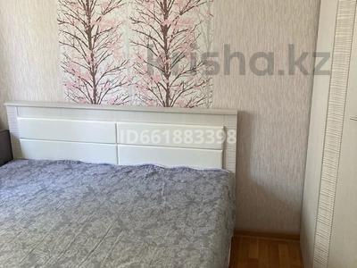 2-комнатная квартира, 53 м², 5/5 этаж, мкр. 4, Мкр. 4 18 за 16 млн 〒 в Уральске, мкр. 4