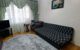 2-комнатная квартира, 50 м², 3/5 этаж помесячно, Пазылбекова за 100 000 〒 в Шымкенте