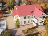 9-комнатный дом помесячно, 400 м², 12 сот.