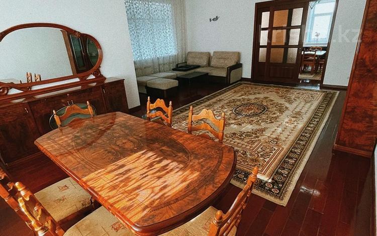 7-комнатный дом посуточно, 470 м², 3 сот., мкр Баганашыл, улица Тан 74 за 60 000 〒 в Алматы, Бостандыкский р-н