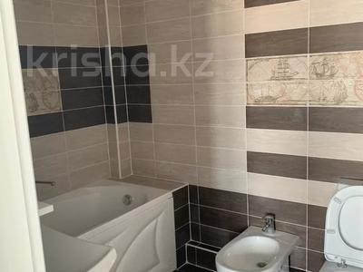 3-комнатная квартира, 132 м², 12/12 этаж, Дюсенова 22 за 32 млн 〒 в Павлодаре — фото 7