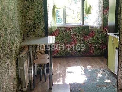 1-комнатная квартира, 35 м², 3/5 этаж посуточно, Бауыржан Момышулы 20 — Желтоксан за 8 000 〒 в Шымкенте, Аль-Фарабийский р-н