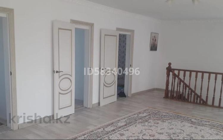 6-комнатный дом, 180 м², 10 сот., Акжар за 25 млн 〒