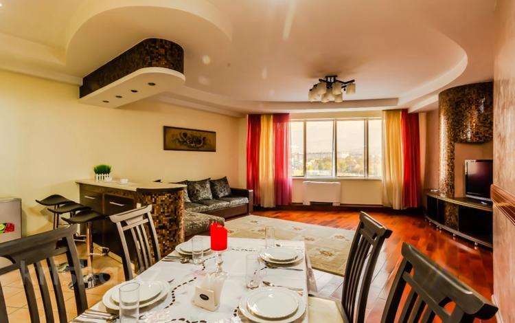 2-комнатная квартира, 90 м², 9/30 этаж посуточно, Аль-Фараби 7 — Козыбаева за 25 000 〒 в Алматы
