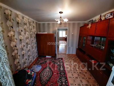 4-комнатная квартира, 73 м², 5/5 этаж помесячно, Ескалиева 146 — Сарайшык за 85 000 〒 в Уральске — фото 4