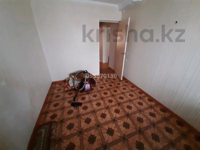4-комнатная квартира, 73 м², 5/5 этаж помесячно, Ескалиева 146 — Сарайшык за 85 000 〒 в Уральске — фото 6