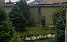 12-комнатный дом помесячно, 450 м², 10 сот., Кунаева 48 за 3 млн 〒 в Шымкенте