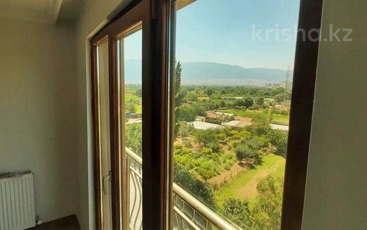 5-комнатная квартира, 230 м², Демирташ за 28.5 млн 〒 в