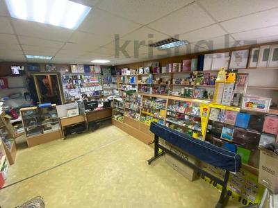 Магазин площадью 45 м², улица Чапаева 24 — Назарбаева за 18 млн 〒 в Уральске — фото 5