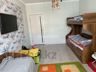 3-комнатная квартира, 92 м², 2/10 этаж, Есет-батыра 106а за 19.5 млн 〒 в Актобе — фото 4