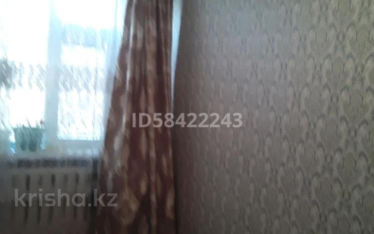3-комнатная квартира, 59 м², 5/5 этаж, Акмешит 6 за 6.5 млн 〒 в