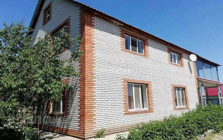 5-комнатный дом, 250 м², 12 сот., Тепличная 35 за 35 млн 〒 в Мичурино