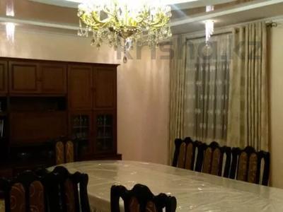 7-комнатный дом, 365 м², 9 сот., 2 переулок Улбике акына 15 за 66 млн 〒 в Таразе