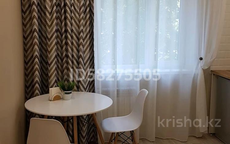 1-комнатная квартира, 36 м², 2/9 этаж посуточно, улица Академика Чокина 36 — 1 Мая за 10 000 〒 в Павлодаре