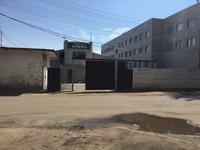 Здание, площадью 1366 м²