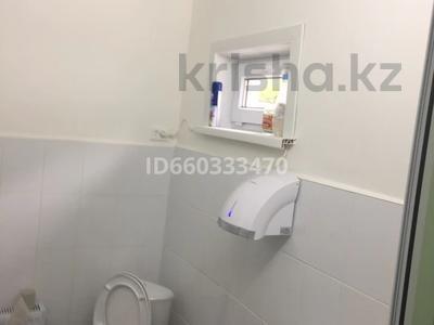 Здание, площадью 1366 м², Гагарина 73/1 — Кутузова Гагарина за 90 млн 〒 в Павлодаре — фото 8