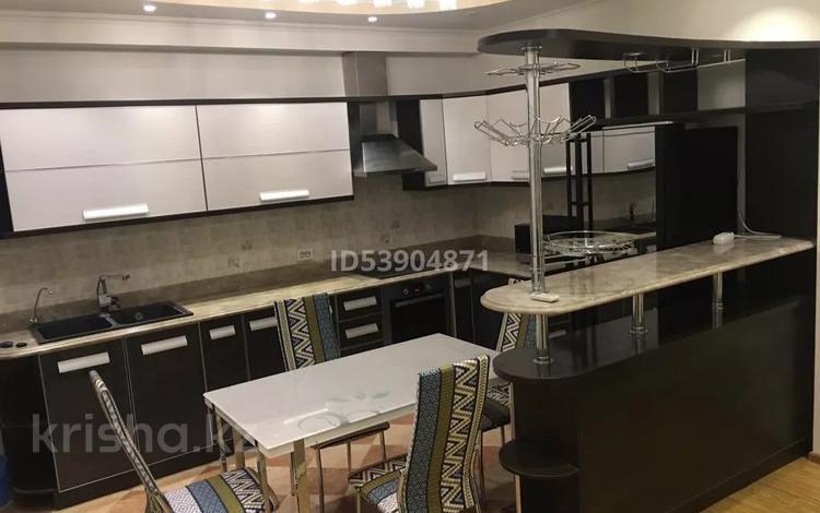 2-комнатная квартира, 60 м², 3/16 этаж помесячно, мкр Орбита-3 19 А за 220 000 〒 в Алматы, Бостандыкский р-н