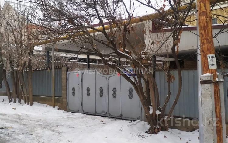 4-комнатный дом, 200 м², 7 сот., мкр Дубок-2, Мкр Дубок-2 172 за ~ 77 млн 〒 в Алматы, Ауэзовский р-н