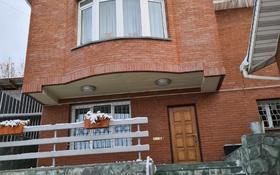 7-комнатный дом помесячно, 350 м², 40 сот., мкр Коктобе, Мкр Коктобе 62 — Радлова за 1 млн 〒 в Алматы, Медеуский р-н