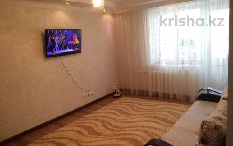 1-комнатная квартира, 35 м², 2/6 этаж посуточно, 101-й Стрелковой бригады 8/1 за 10 000 〒 в Актобе