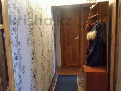 3-комнатная квартира, 60 м², 4/5 этаж, 17мкр 4 — Шаяхметова за 13.5 млн 〒 в Шымкенте, Енбекшинский р-н — фото 3
