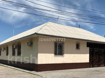 8-комнатный дом, 300 м², 7.5 сот., Кулжабаева — Толе би за 48 млн 〒 в Таразе — фото 2