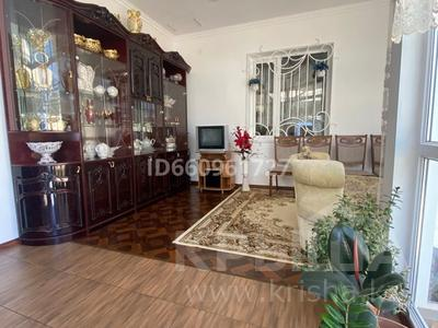8-комнатный дом, 300 м², 7.5 сот., Кулжабаева — Толе би за 48 млн 〒 в Таразе — фото 17
