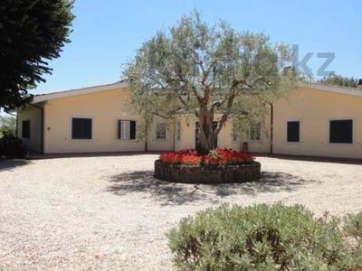 10-комнатный дом посуточно, 300 м², 30 сот., Браччано за 157 000 〒 в Риме — фото 12