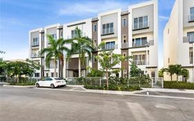 Здание, площадью 3380 м², Форт-Лодердейл 1044 NE — 18 Ave за ~ 2.3 млрд 〒 в Майами
