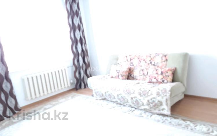1-комнатная квартира, 43 м², 2/5 этаж помесячно, мкр Кадыра Мырза-Али за 70 000 〒 в Уральске, мкр Кадыра Мырза-Али