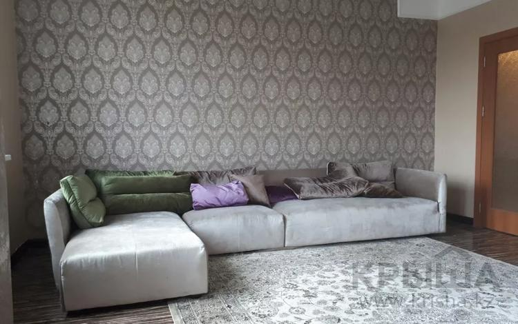 3-комнатная квартира, 115 м², 4/20 этаж помесячно, Кабанбай батыра 6/3 за 250 000 〒 в Нур-Султане (Астана), Есиль р-н