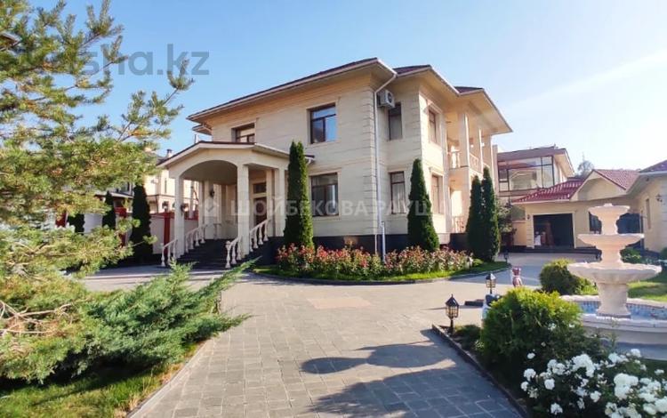 9-комнатный дом помесячно, 650 м², 20 сот., мкр Горный Гигант, Жамакаева за 1.3 млн 〒 в Алматы, Медеуский р-н