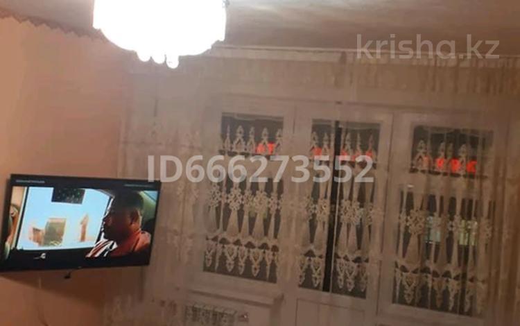 1-комнатная квартира, 33 м², 4/5 этаж, улица Абилда Акшораева 1 за 2.2 млн 〒 в Каратау