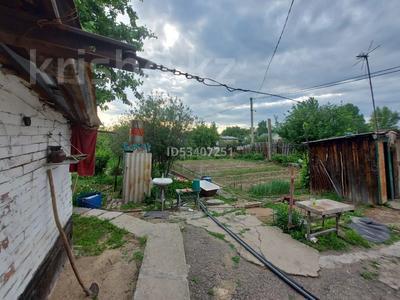 4-комнатный дом, 80 м², 6 сот., Семафорная 17 за 15 млн 〒 в Усть-Каменогорске