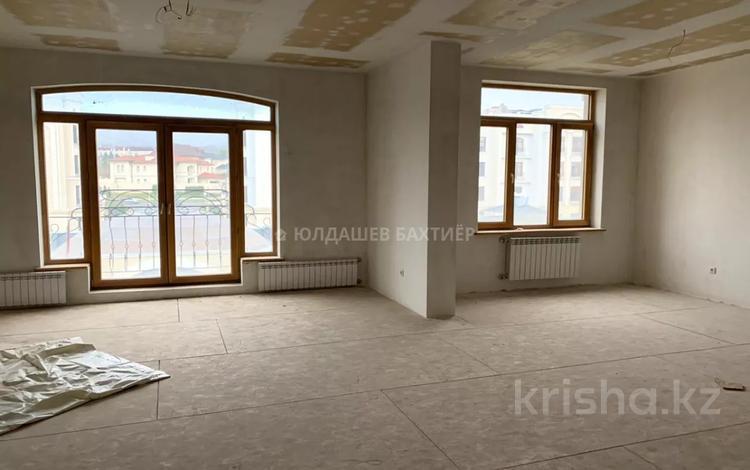 5-комнатная квартира, 170 м², 4/5 этаж, Мирас за 140 млн 〒 в Алматы
