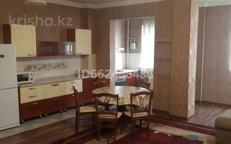2-комнатная квартира, 74 м², 7/12 этаж, Байтурсынова 58 за 28 млн 〒 в Шымкенте, Аль-Фарабийский р-н