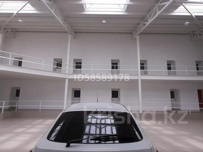 Здание, площадью 1150 м², улица Момышулы 18 — Букеевская за 270 млн 〒 в Уральске — фото 15