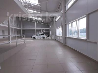 Здание, площадью 1150 м², улица Момышулы 18 — Букеевская за 270 млн 〒 в Уральске — фото 16