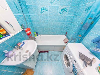 2-комнатная квартира, 49 м², 1/5 этаж, проспект Республики 76/1 за 13.6 млн 〒 в Нур-Султане (Астане), Сарыарка р-н